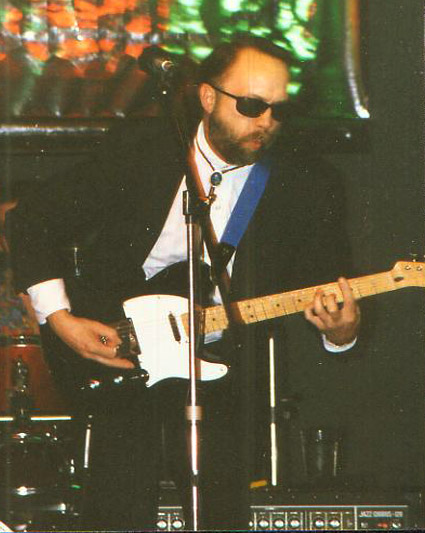 PHOTO: Dave O'Dell live with the Tennessee Kingsnakes 1998